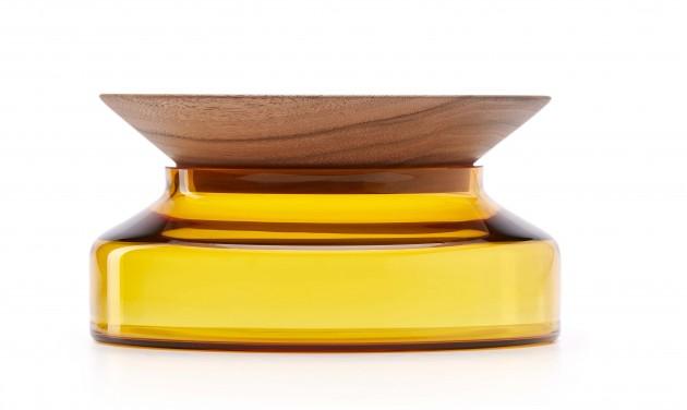 Presentation platter- Small Novecento yellow walnut by Ontwerpduo - Gimmii