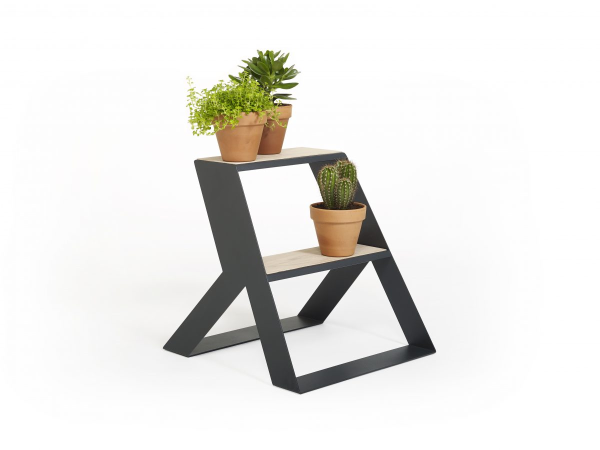 Frederik Roije plantentrap etagere SPLIT STEP hout donkergrijs – Gimmii