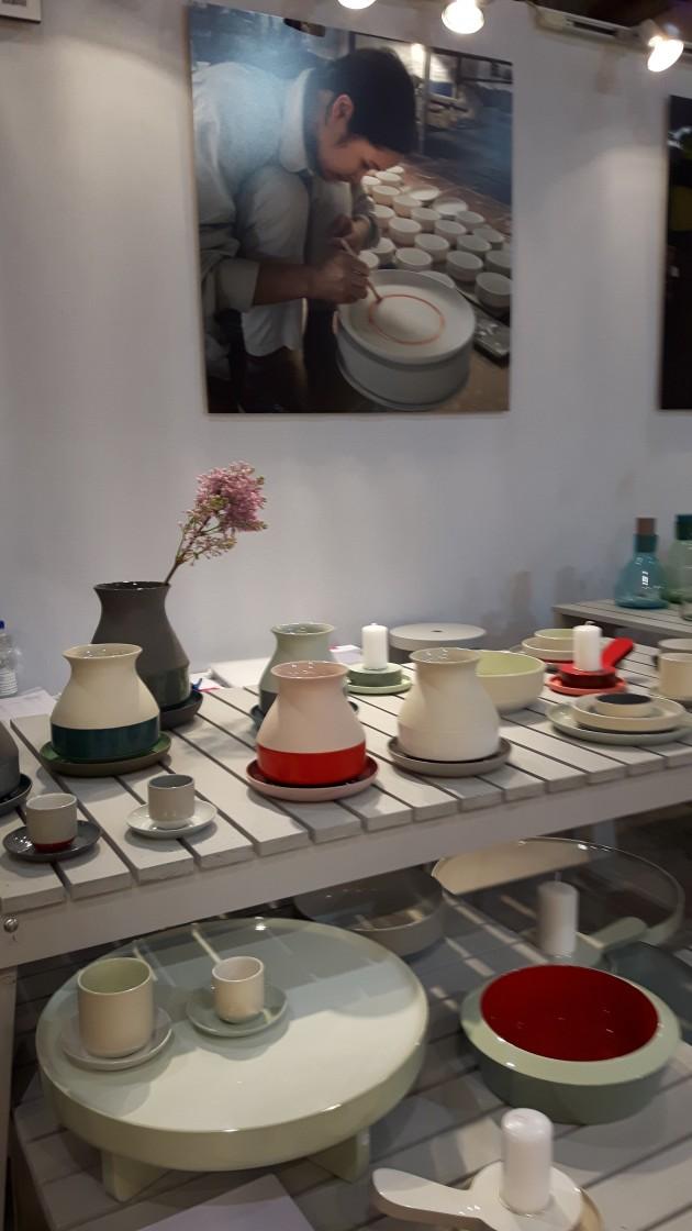 Arian Brekveld Imperfect Design vaas low table schaal kandelaar kopjes Maison & Objet - Gimmii