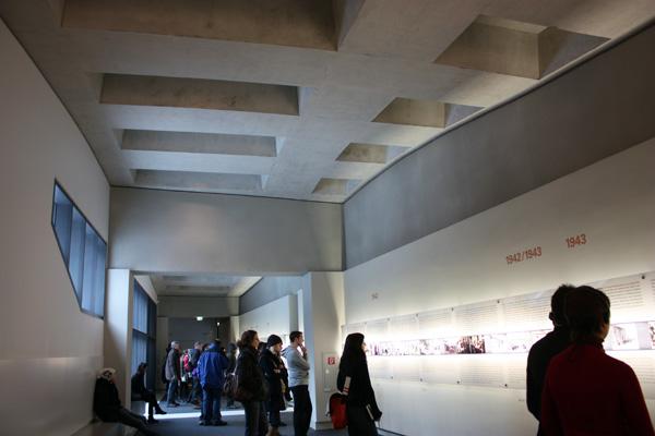 Holocaustmonument en informatiecentrum Peter Eisenman (2)Berlijn-JanitaStoel - Gimmii