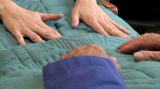 Tactile dialoque Martijn ten Bhomer Pillow dementia - Gimmii