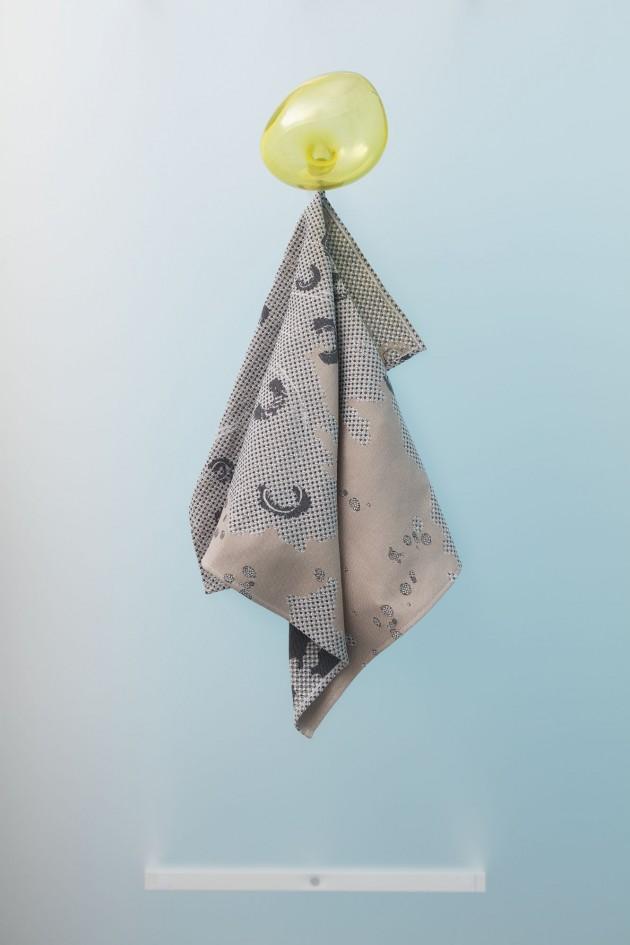 Handdoek-Fungy-Roos Soetekouw-towel-sand - Gimmii