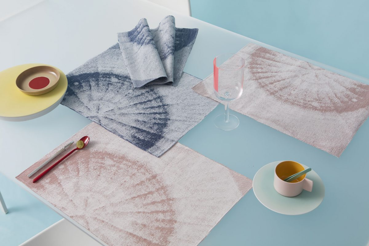 Roos Soetekouw Fungy! collection placemat blauw en roze Gimmii