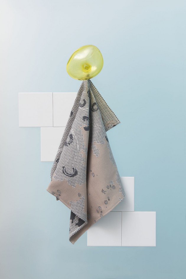 Roos Soetekouw Fungy no2-towel-sand-handdoek-zand - Gimmiishop