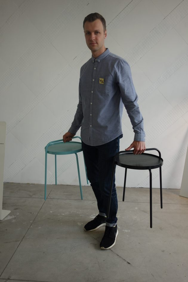 PatrickHartog-withhis-Bucket-sidetable-photogimmii