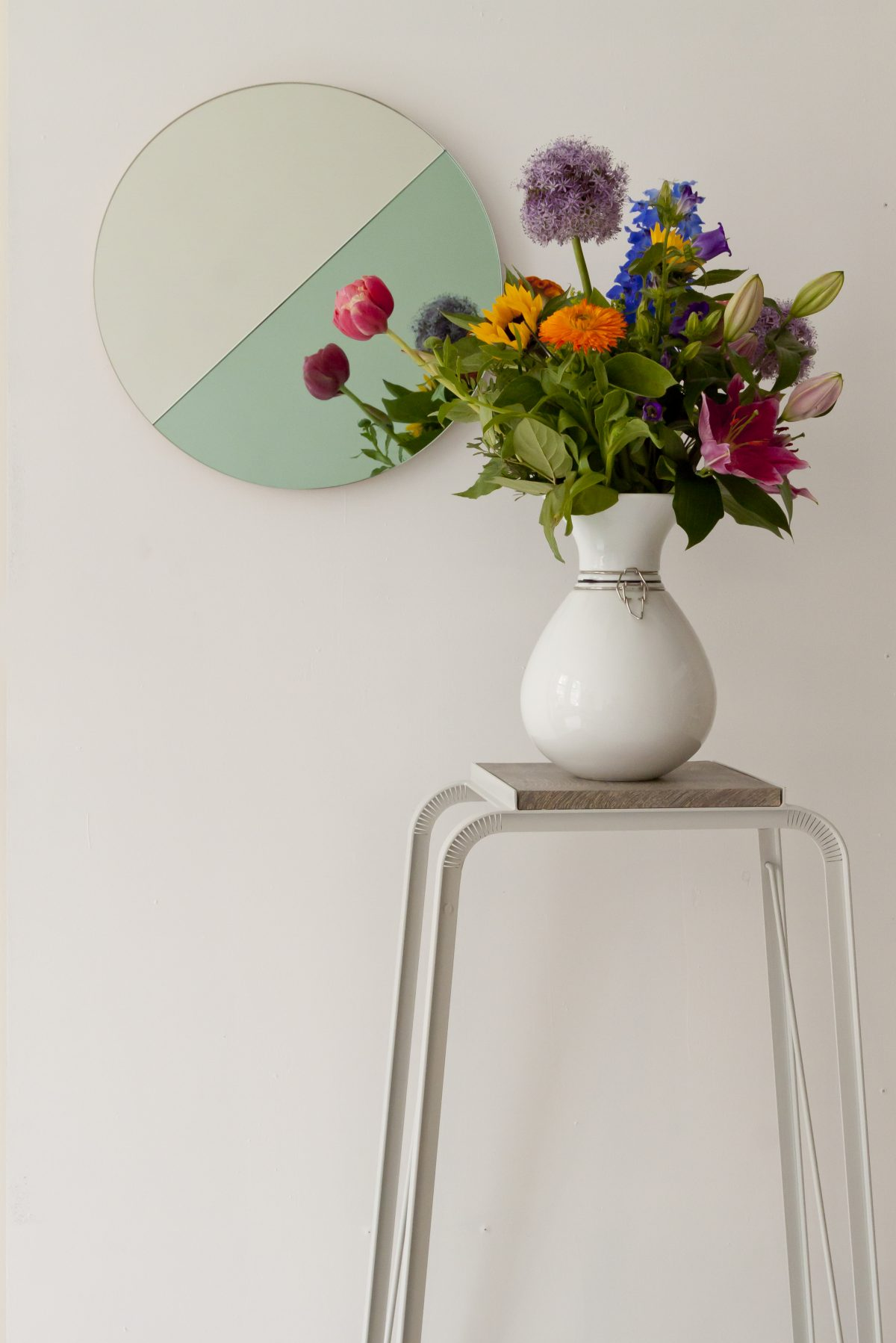 Vij5-mirror-Moonrise-green-Flexvase – gimmii