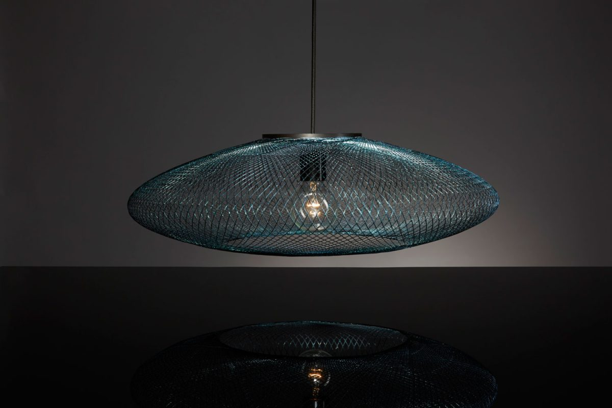Iridescent black hanglamp
