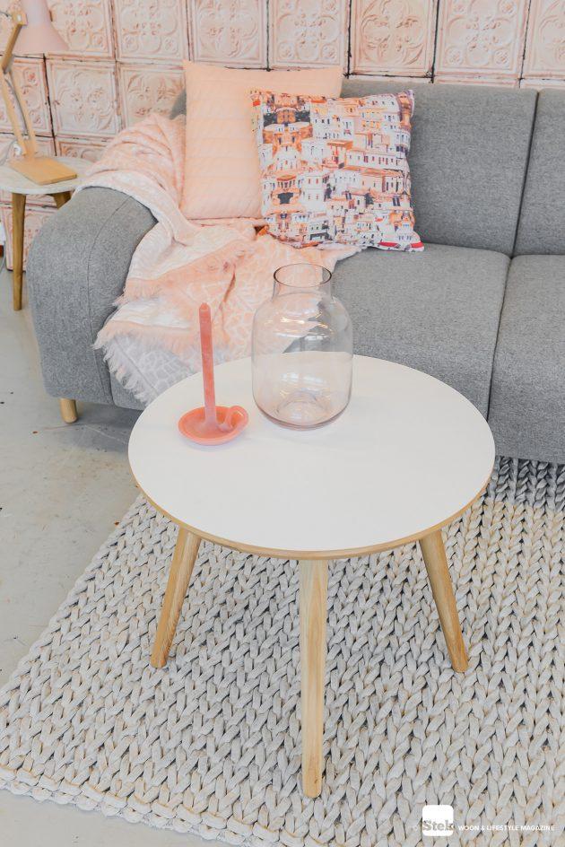 Gimmii-roze-Hide-kleed-NienkeHoogvliet-Pixoss-tafellamp-roze-Mossdesign