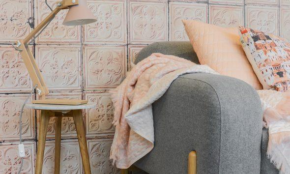 Gimmii-shop-Hide-kleed-NienkeHoogvliet-Pixoss-tafellamp-roze-Moss-design