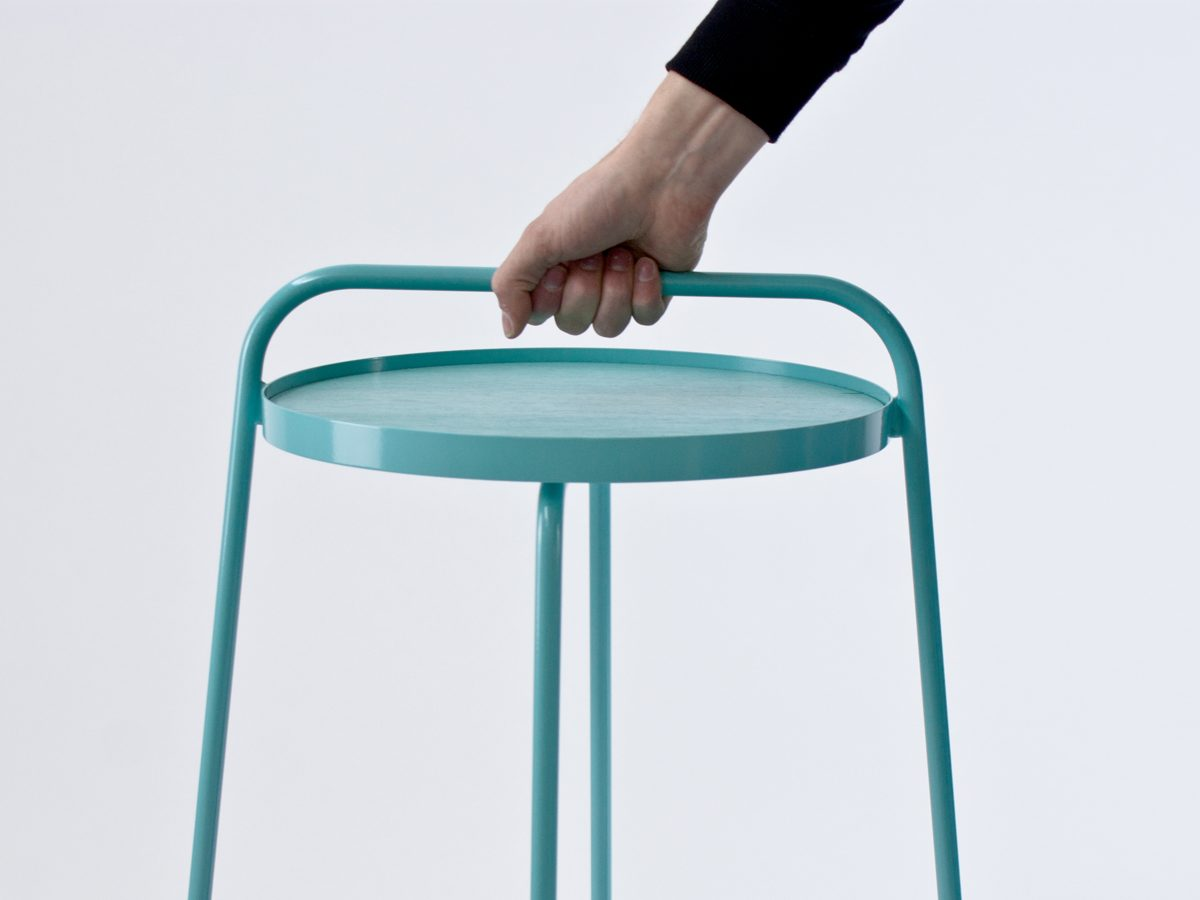 Patrick Hartog Bucket sidetable carrying