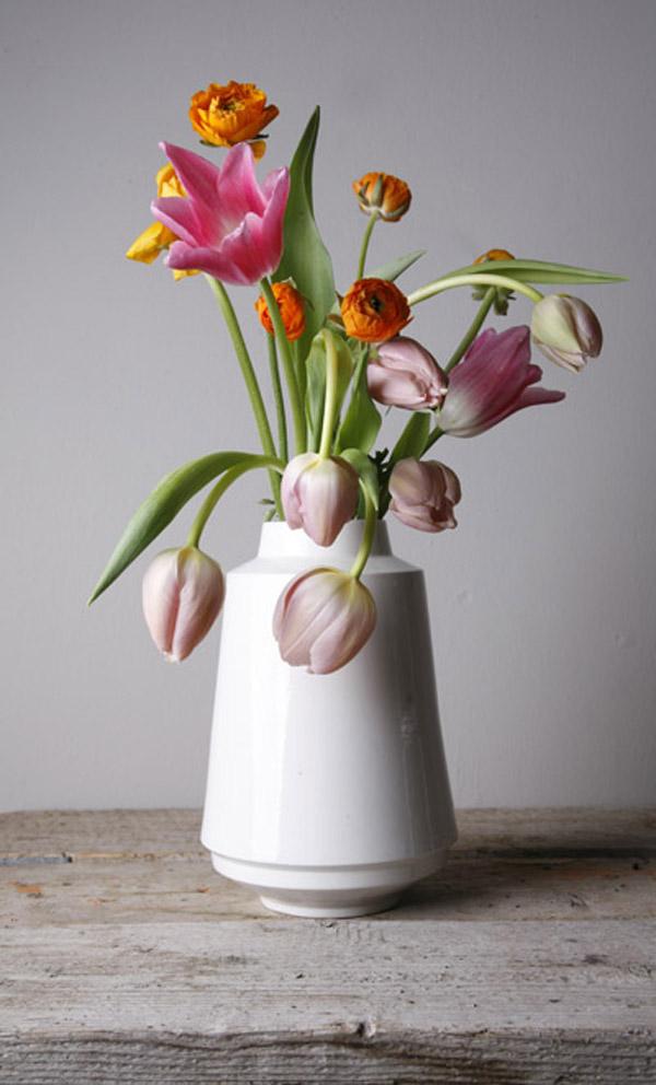 v1501-highedgedvase-bloemen