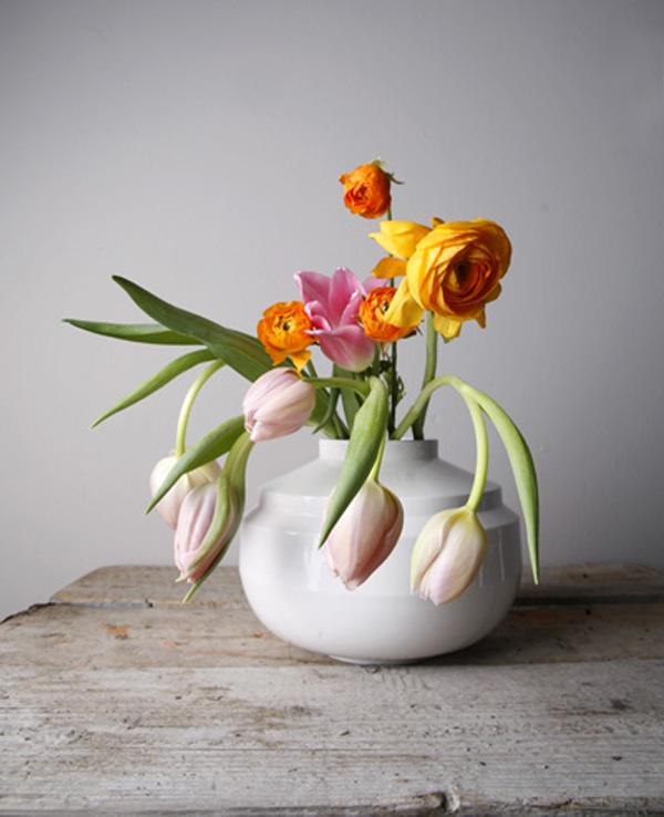 v1502-wideedgedvase-wit_bloemen