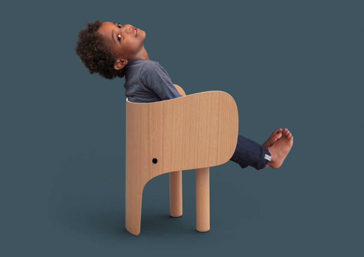 Schattig olifantenstoeltje inclusief stoer tafeltje