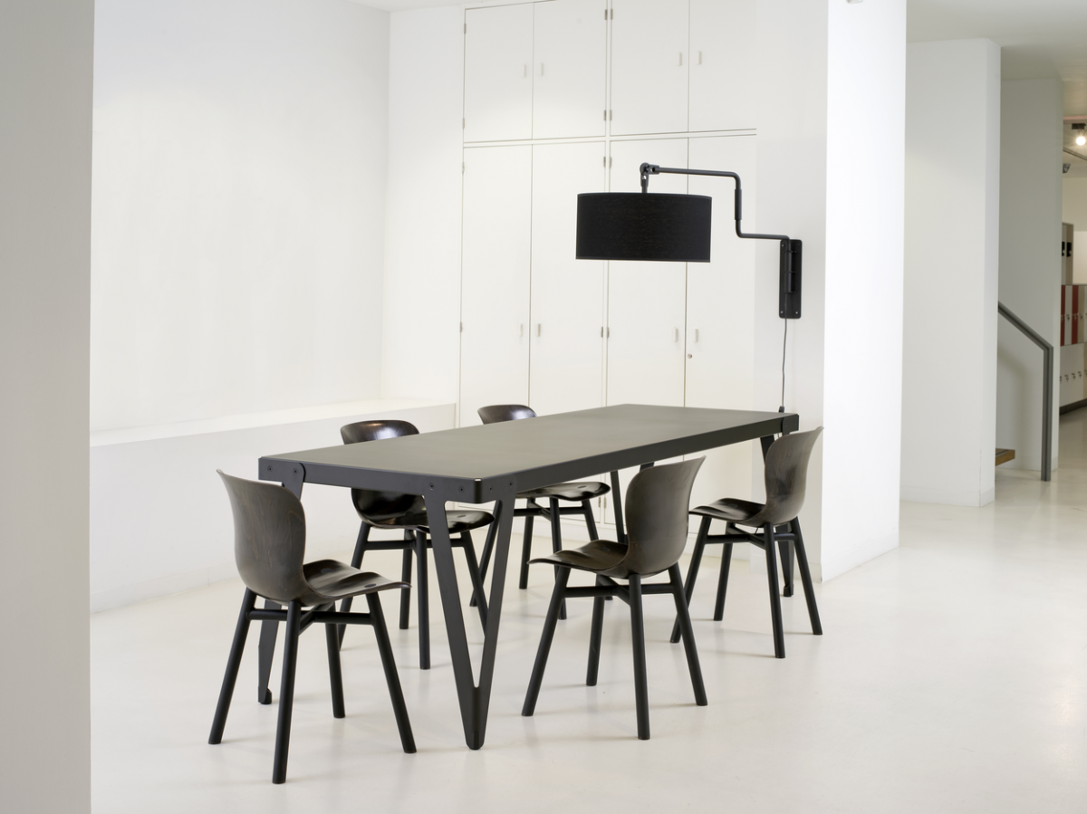 Functionals Lloyd Table 230×80 Black Chair Wendela Black Tafel Stoelen Zwart
