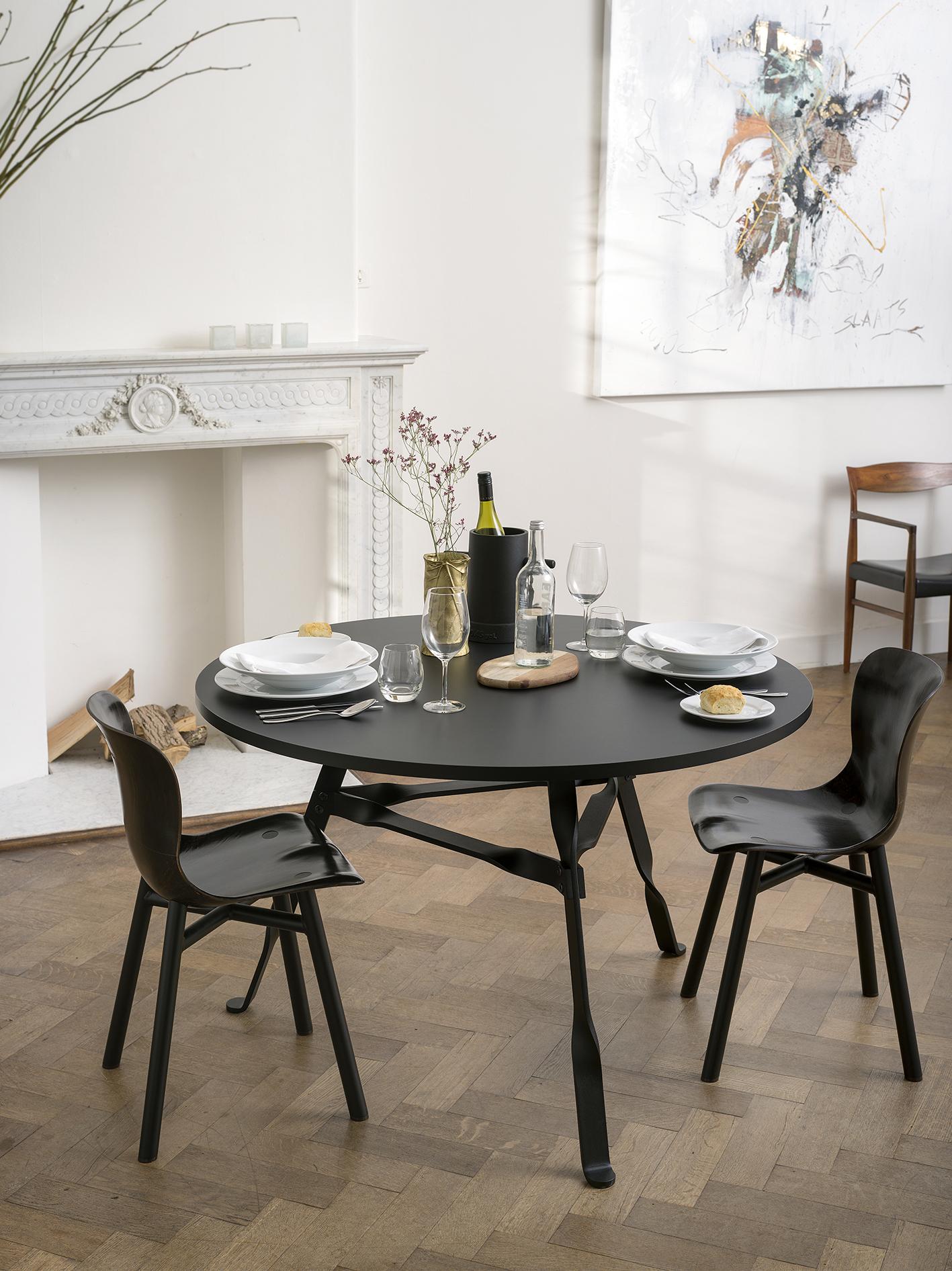 Functionals Twist tafel rond zwart kopen? Bestel online bij Gimmii Dutch design