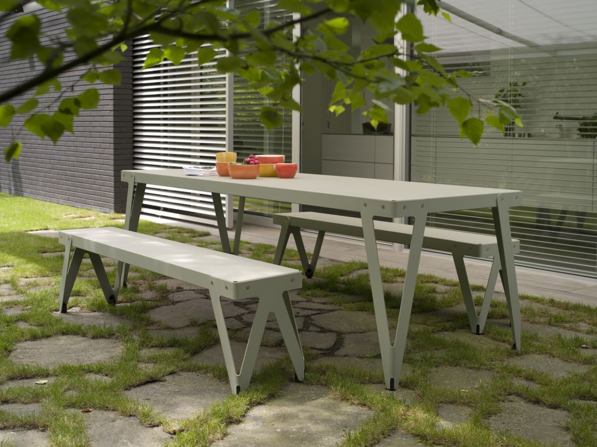 Lloyd Table 230×80 Bench 170 OUTDOOR Parallel Green Groen Tuintafel Functionals Gimmii