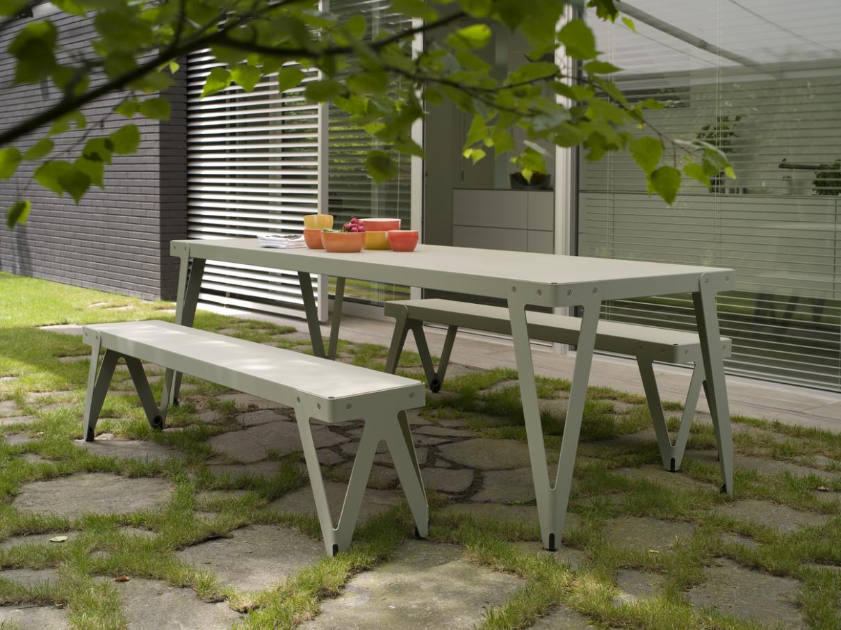 Lloyd tafel Outdoor, Dutch design meubels voor buiten
