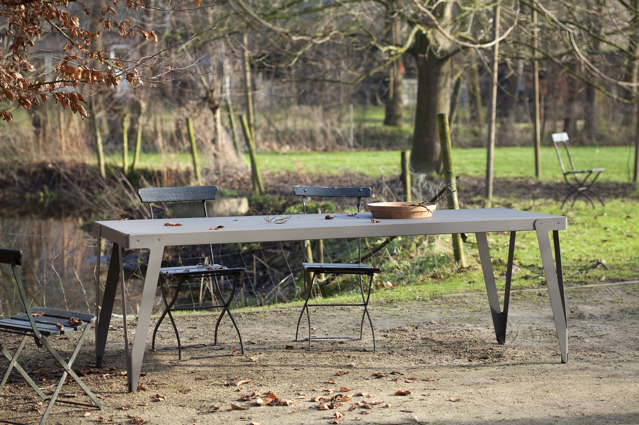 Funcionals Lloyd Table Outdoor 230x80 Dark Grey Tuintafel Staal Donkergrijs