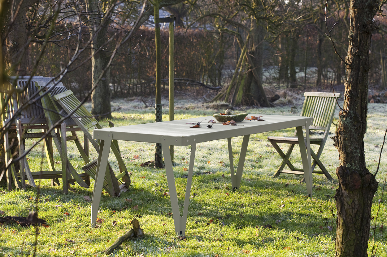 Functionals Lloyd Tafel 230 80 OUTDOOR Table Green Groen Parallel Gimmii Shop Dutch design meubels