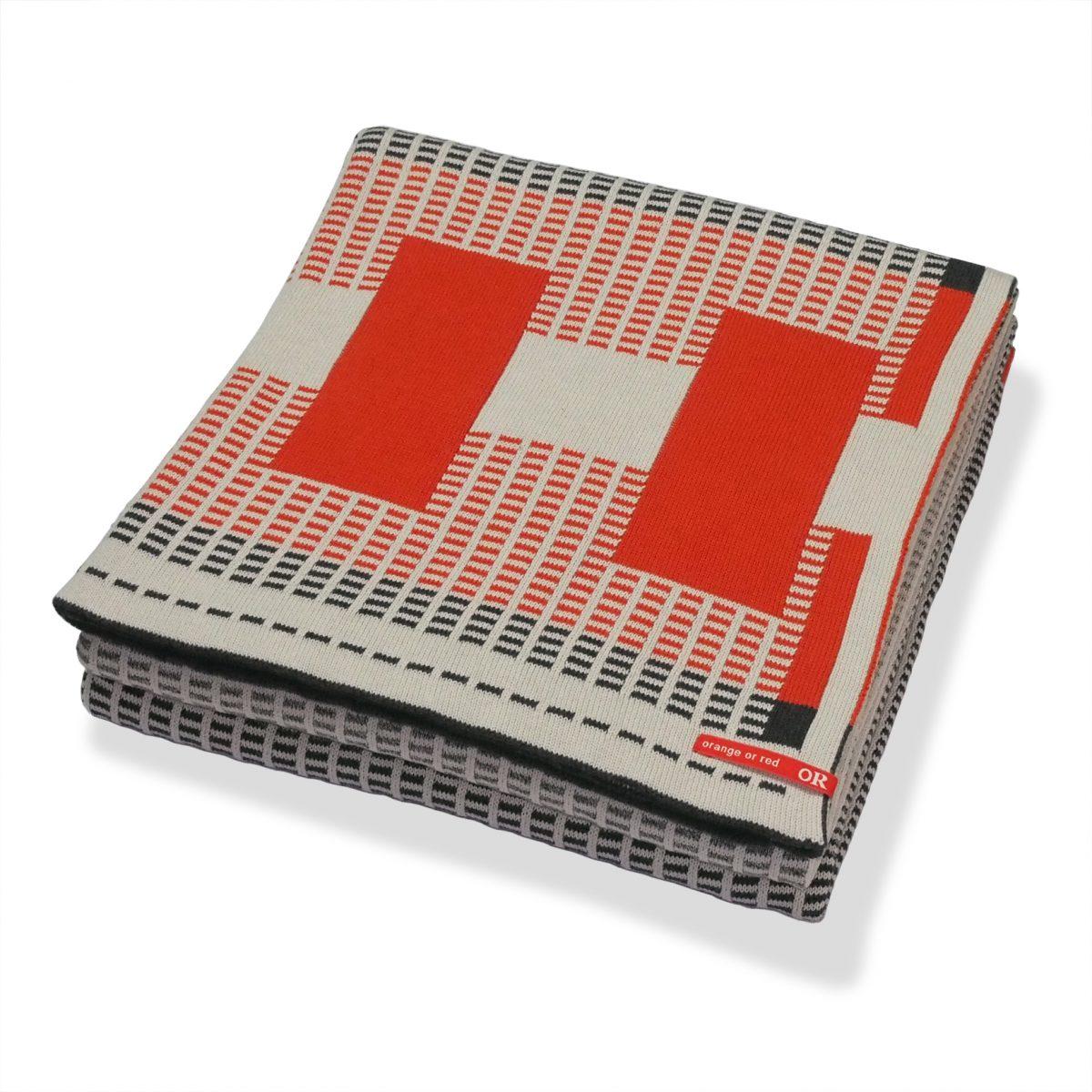 Orange or Red plaid Zip deken throw dutch design