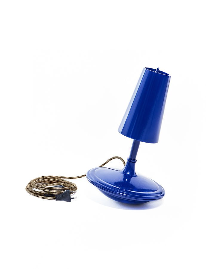 LABEL BREED Metal Cast Lamp High Blue Blauw Unieke Dutchdesign Verlichting