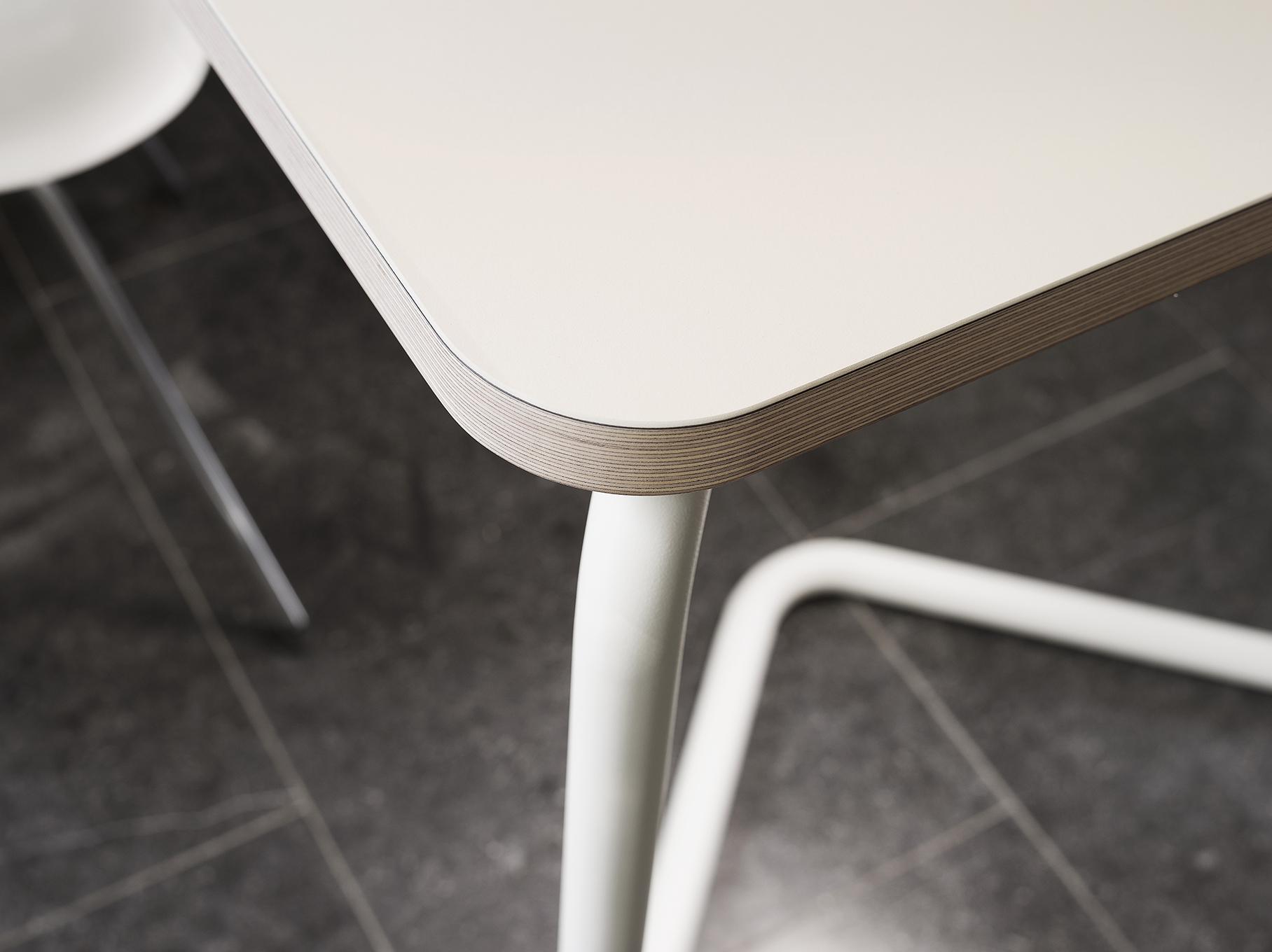 ≥ ikea lerberg schraag grijs metaal bureaus en