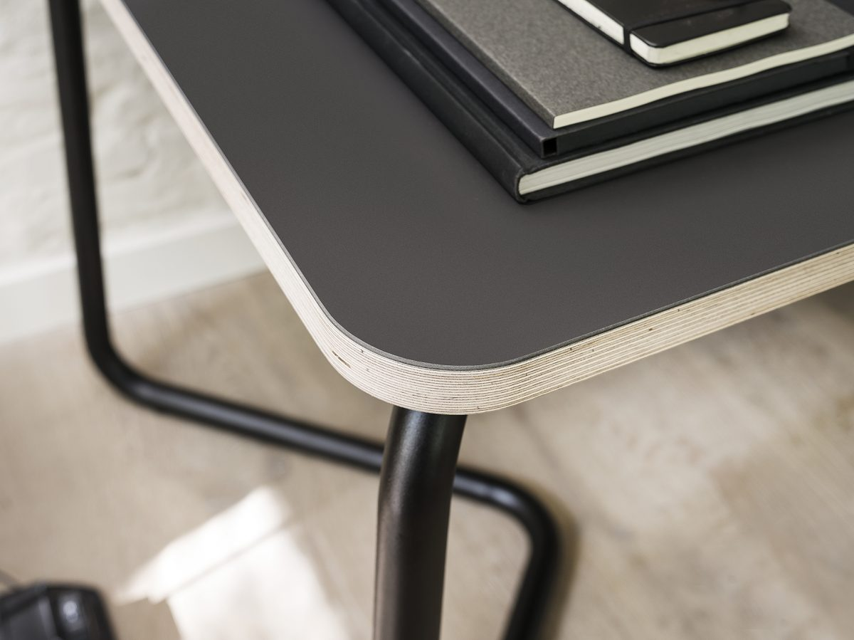 Funtionals KUMPEL Table Black Charcoal Detail Schragen Tafel