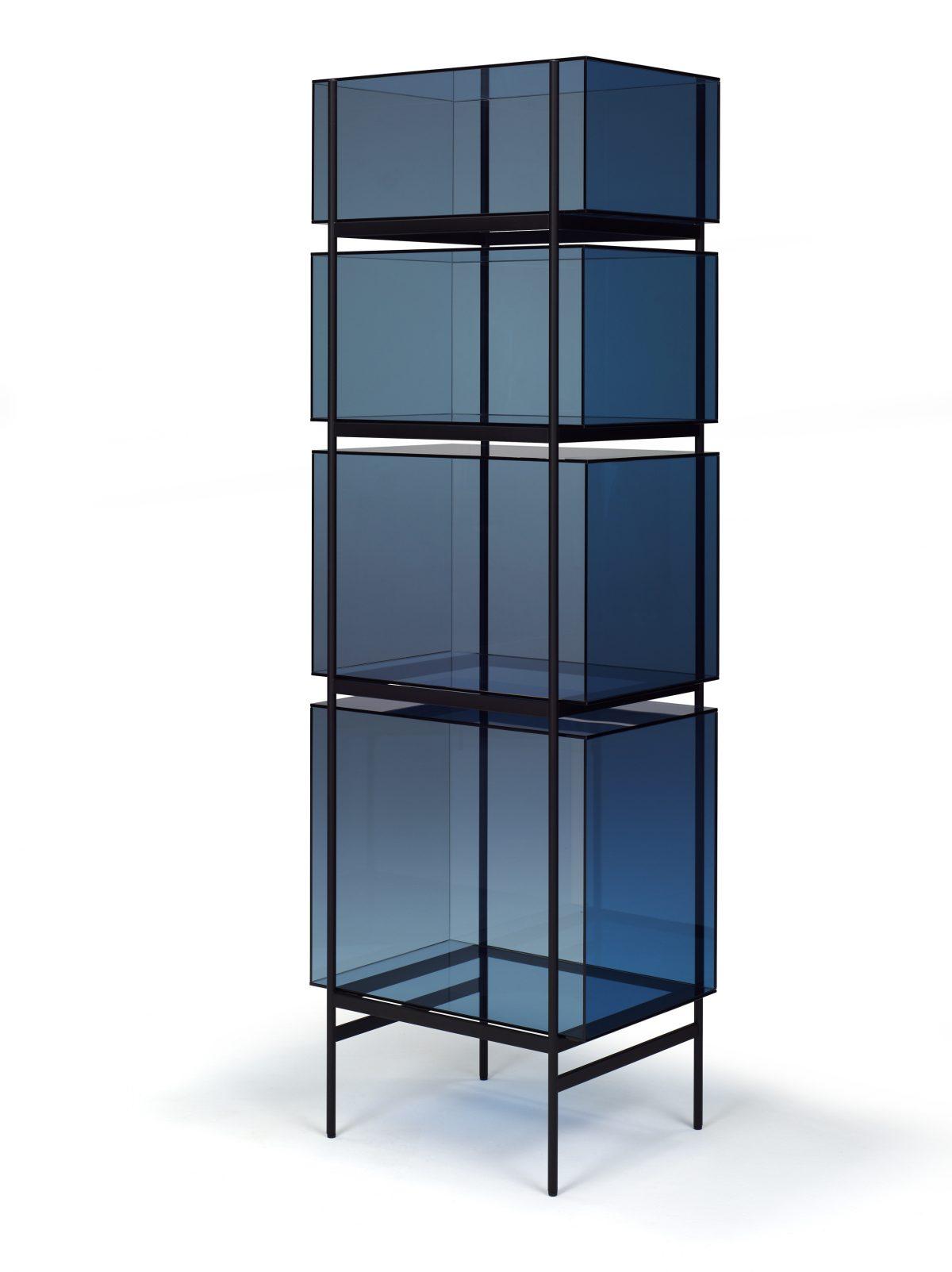 Glazen kast LYN 4 vakken