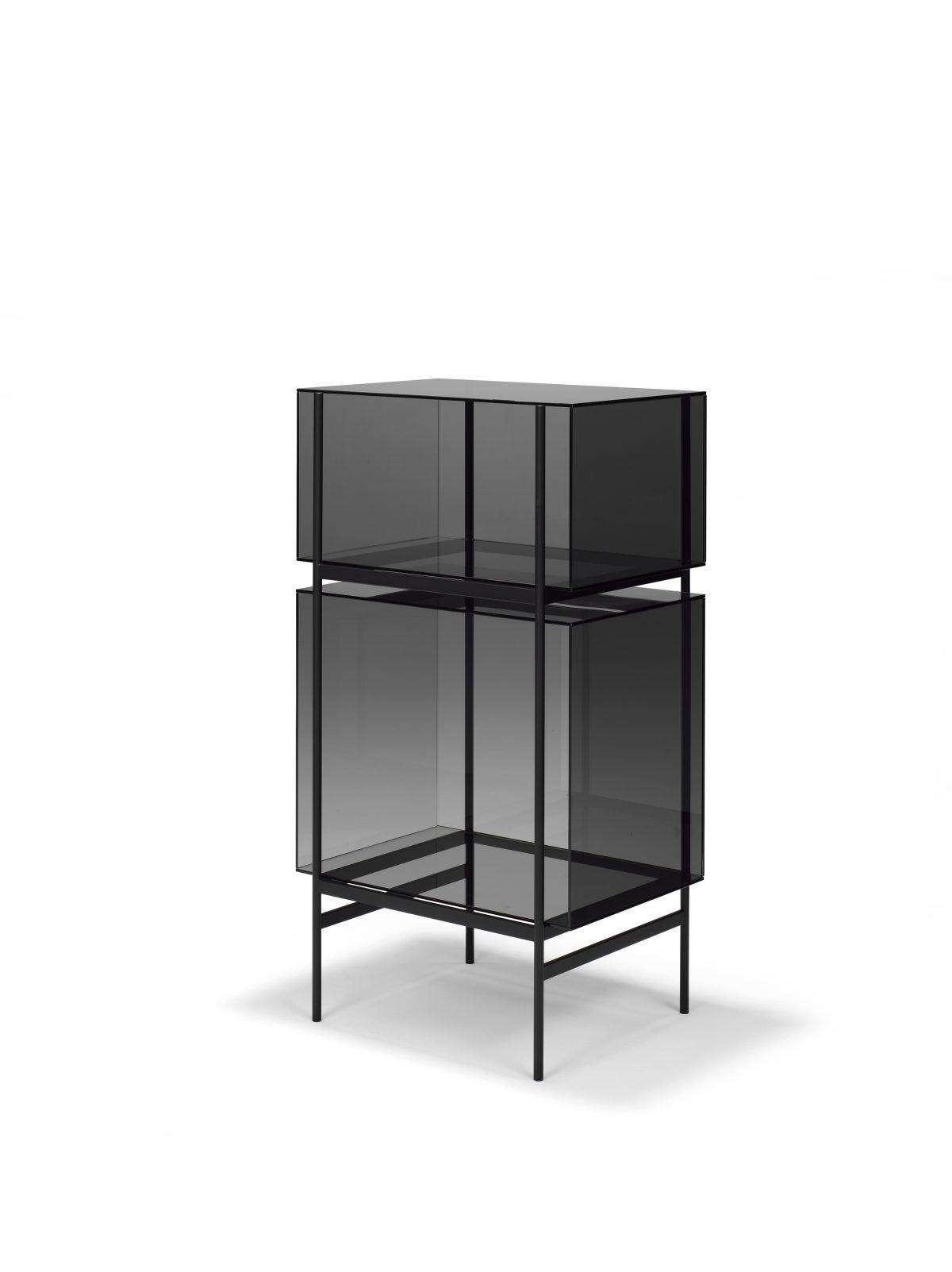 Kast LYN 2 Vakken Visser Meijwaard Exclusief Dutchdesign Zwart Frame Grijs Glas JOSHH& Helderr 18