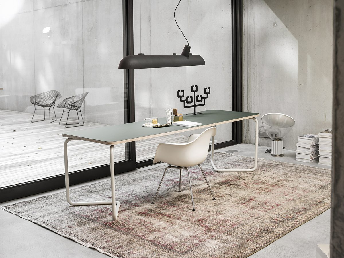 Functinals KUMPEL Tafel Table White Conifer 240X80 Wit Groen Luftschiff Lamp Bonsai Kandelaar