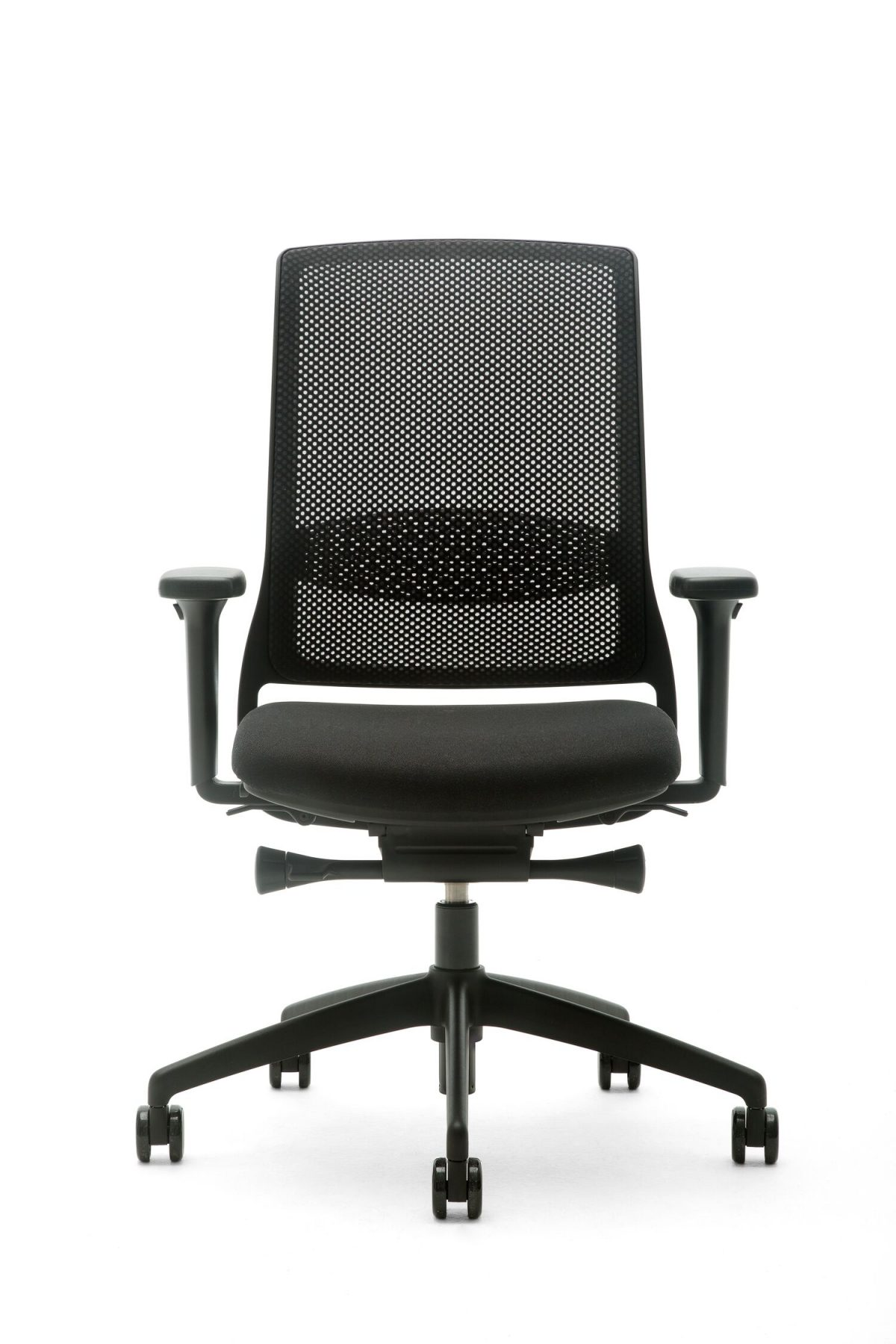 Gispen Zinn Smart Office Chair 35BK Front View Verstelbare Bureaustoel Dutchdesign Zwart Voetkruis