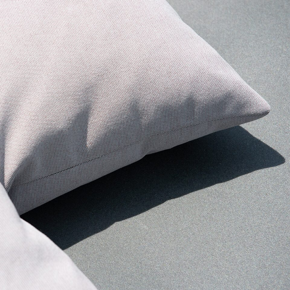 Flying Dishman Lounge Eiland Kussen Detail Cushions Grey Fresh