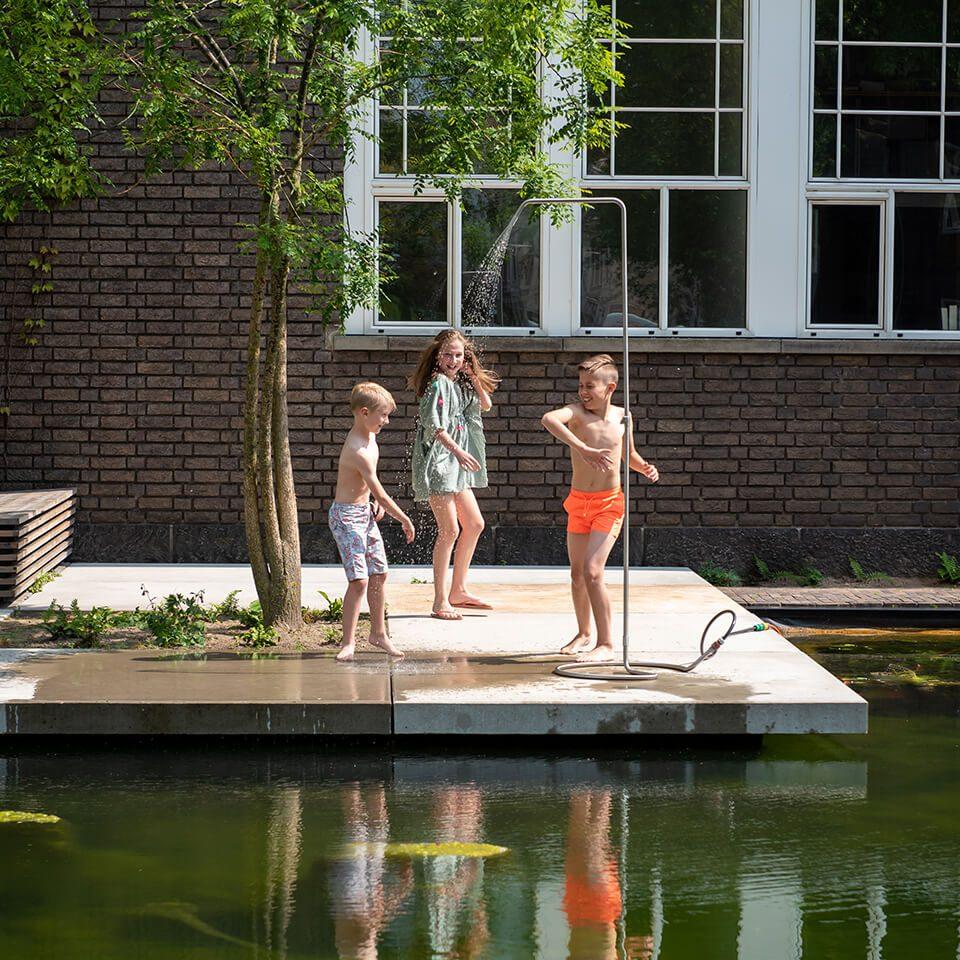 Weltevree Serpentine Outdoor Shower Children Playing