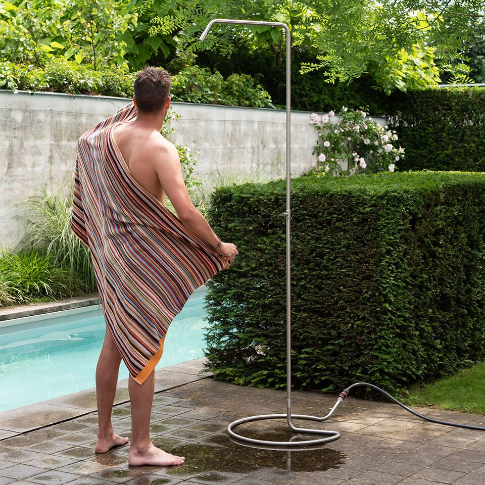 Weltevree Serpentine Outdoor Shower Next To Pool