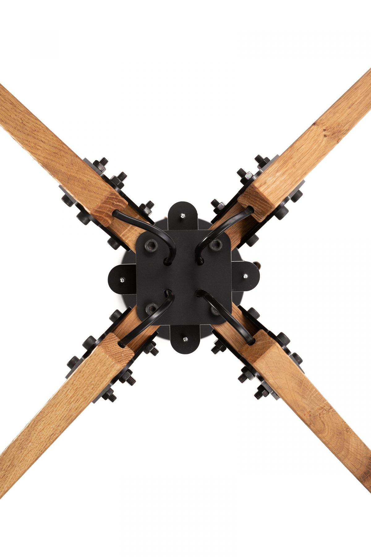 Triangle Plafond Kroonluchter Four Eikenhout Detail