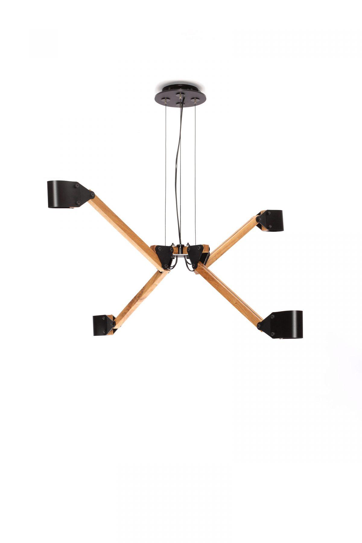 Triangle Plafond Kroonluchter Quatro Eikenhout Zijaanzicht
