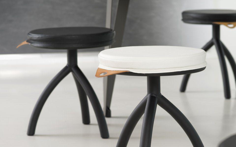 Functionals Cushion Zwart Luxe Design School Kruk