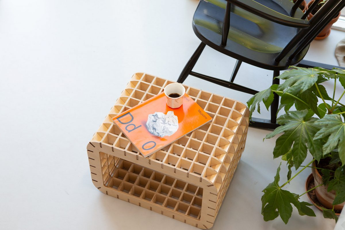 Waarmakers Ingrid Thuiswerkmeubel Bijzettafel Kruk Design Dutch Comfortabel Zit Sta Ergonomisch