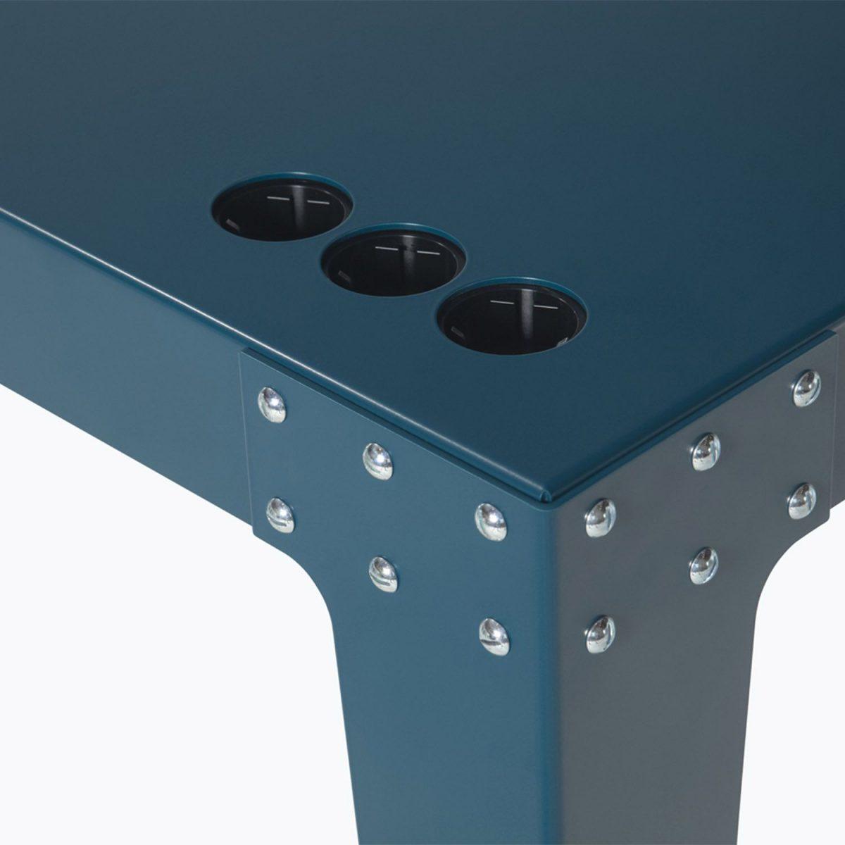 PHA1206 Lensvelt Bureau Detail Stopcontact Blauw Groen Turqoise Licht